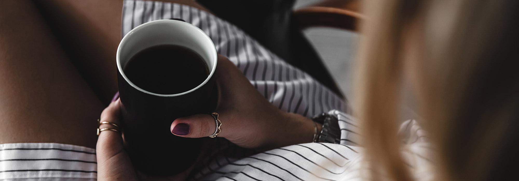 mejorar la calidad del descnaso, cafe
